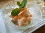 サツマイモと柿のヨーグルトサラダ