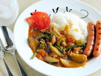 暑さふっとばせ☆夏野菜カレー