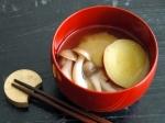 サツマイモとしめじの味噌汁