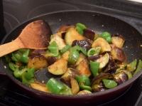 茄子とピーマンの甘辛味噌炒め