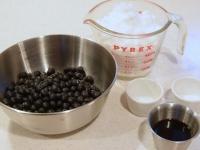 簡単黒豆 煮汁に一晩漬けこんでから火にかけるだけの